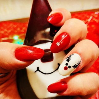 35+ Gorgeous Christmas Nail Designs
