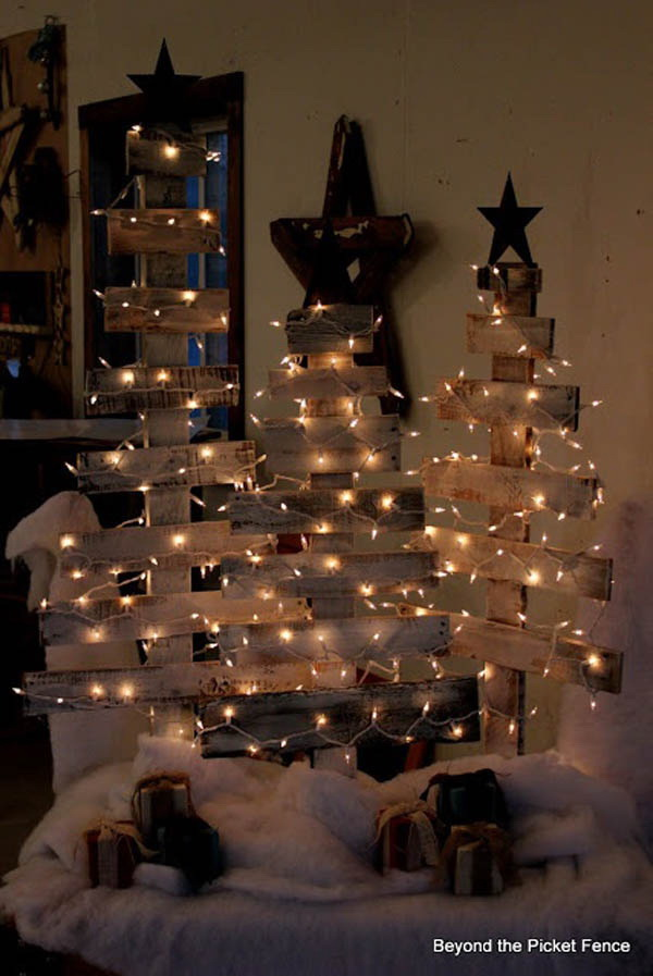 Diy Wood Christmas Tree Make This From Old White Picket Fences And Decorate
